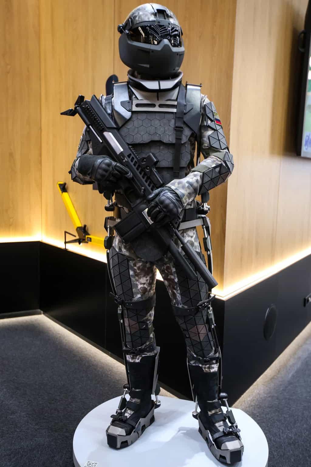 أقوى الملابس والدروع العسكرية