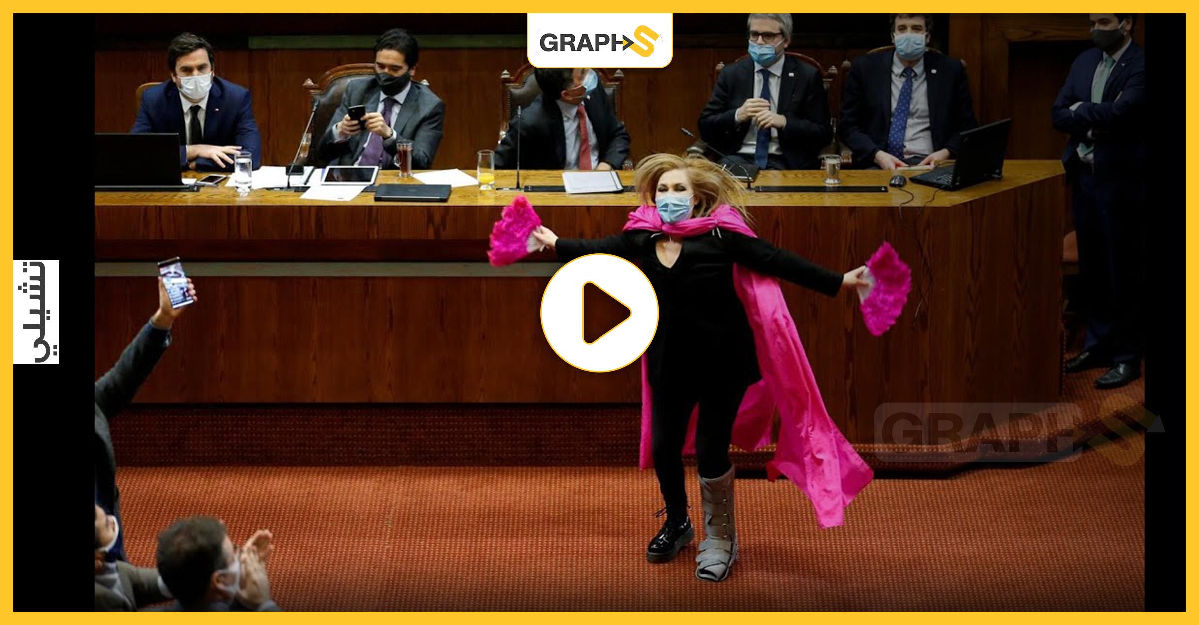 برلمانية ترقص بطريقة يابانية