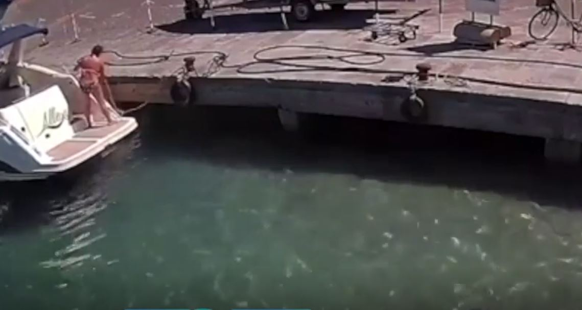 ميناء بونزا بإيطاليا