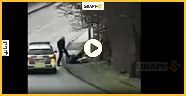بالفيديو || اعتداء شرطي ألماني على سيدة مسنة يثير الرأي