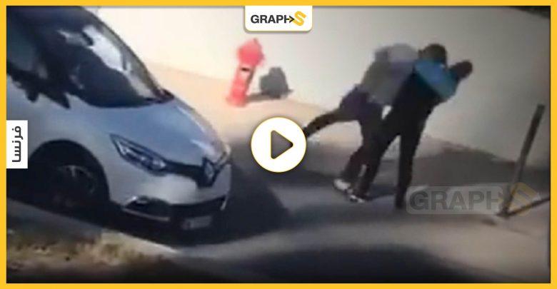 طعن عامل توصيل طرود في فرنسا
