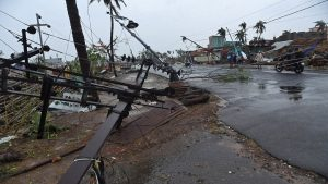 إعصار مدمر يضرب الهند