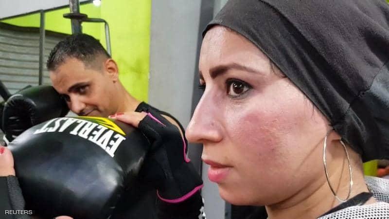 سيدة مصرية تدرب رجال الصعيد