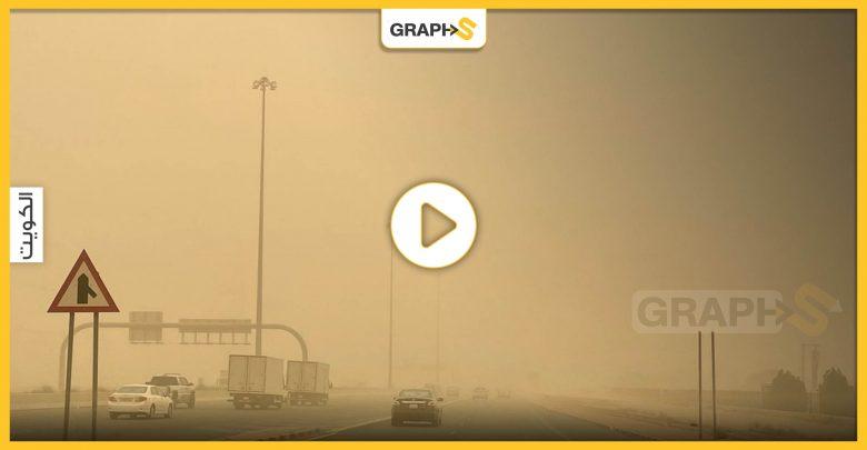 عاصفة غبار شديدة بالكويت