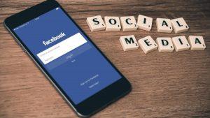 فيسبوك تتجاوز قيمتها التريليون دولار