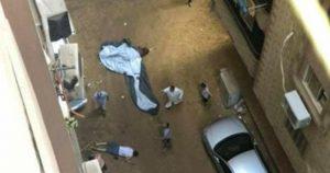 سقط أثناء هروبه من زوج عشيقته في مصر