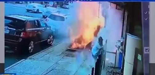 في أمريكا ..سقوط شورت سارق أمام عدسة الكاميرا تثير مواقع التواصل وانفجار عنيف بشارع عام- فيديو