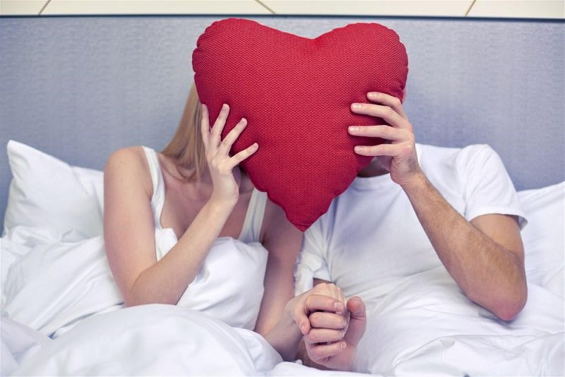 ممارسة العلاقة الحميمة محظورة على فئات معينة بالحر