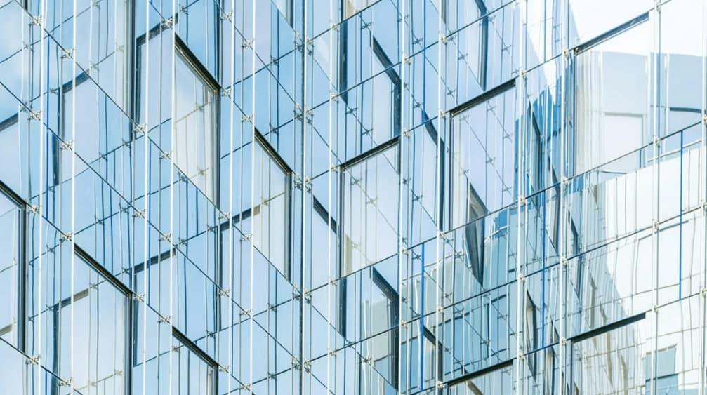 """""""ثورة في عالم التبريد"""".. زجاج ذكي يعمل على تبريد المباني في الطقس الحار وبأرخص التكاليف"""