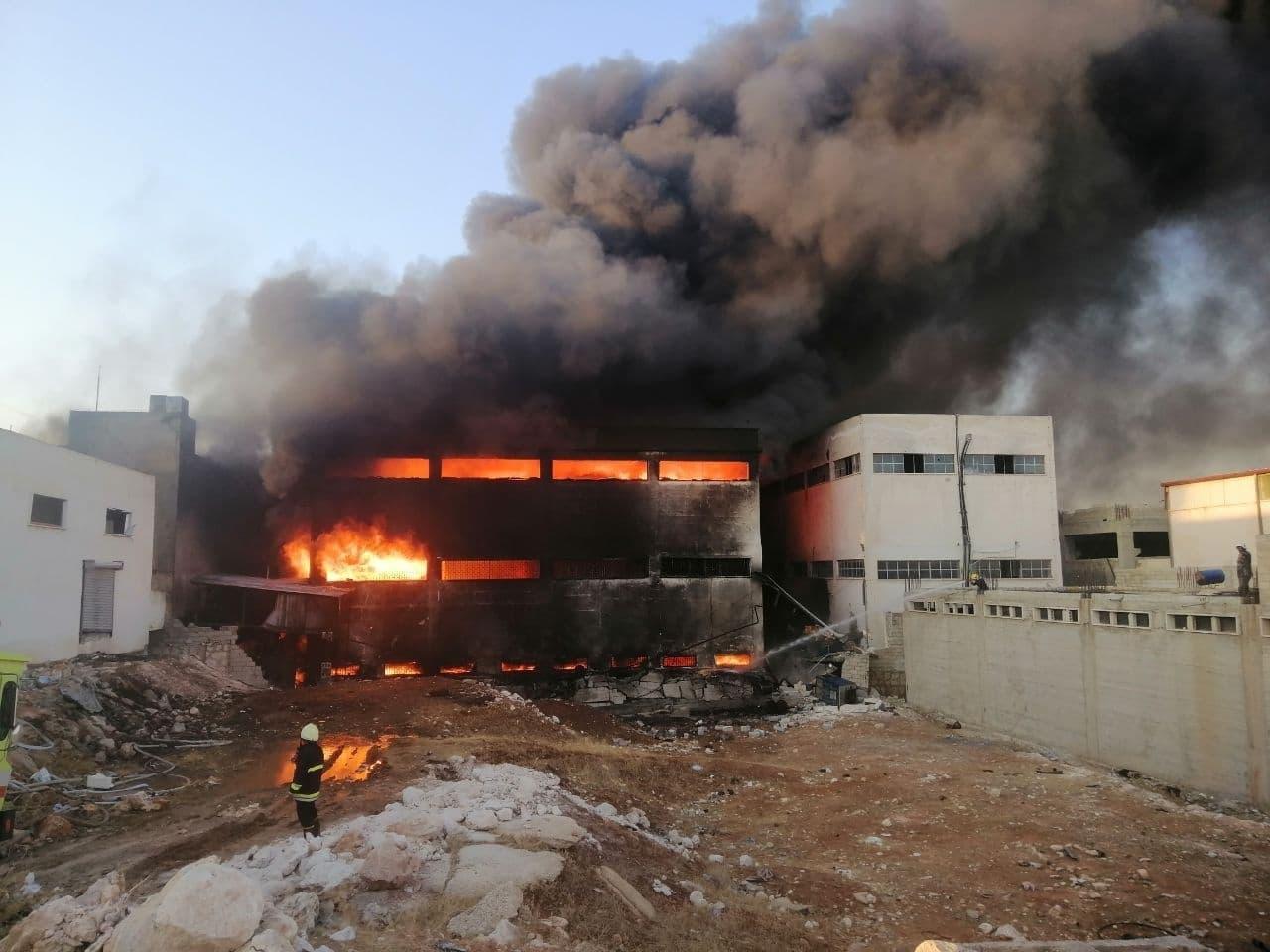 تصادم قطارين في أمريكا وإصابة العشرات.. سيول في بنغلادش.. حريق هائل في حلب