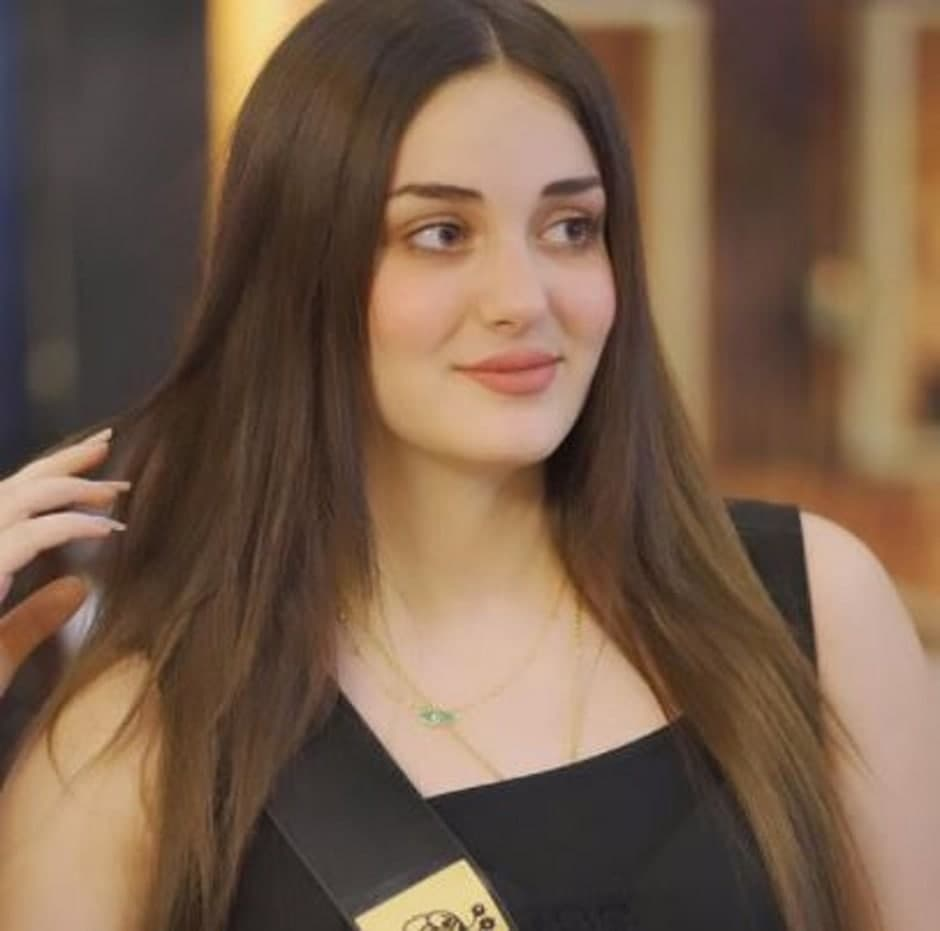 """""""ماريا فرهاد سالم"""" نزحت من ويلات الحروب.. لتتوج على منصات أربيل كملكة جمال العراق لعام 2021 (فيديو وصور)"""