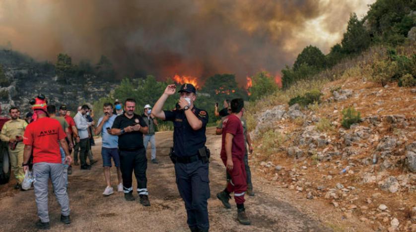 إخلاءات بالجملة جراء حرائق في تركيا