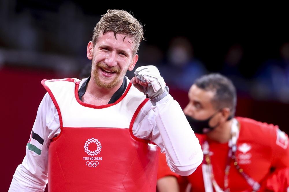 تمكن اللاعب الأردني صالح الشرباتي من حجز أولى ميداليات بلاده في الأولمبياد وذلك من خلال تأهله للنهائي في لعبة التايكواندو