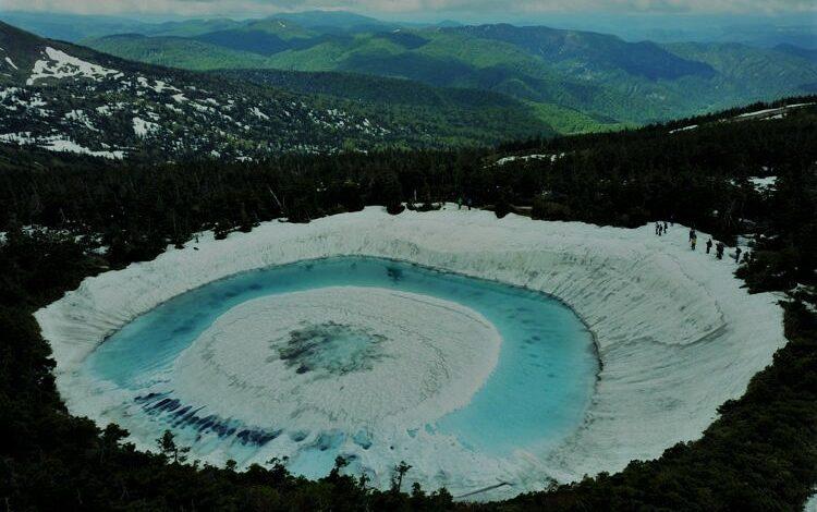بحيرة عين التنين السحرية في اليابان