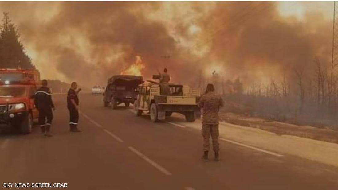"""""""أخبار العالم """"حرائق في تونس وولاية مونتانا الأمريكية.. موجة الحر تمتد لإسبانيا والبرتغال.. مقتل 6 أشخاص على الأقل في بريطانيا"""