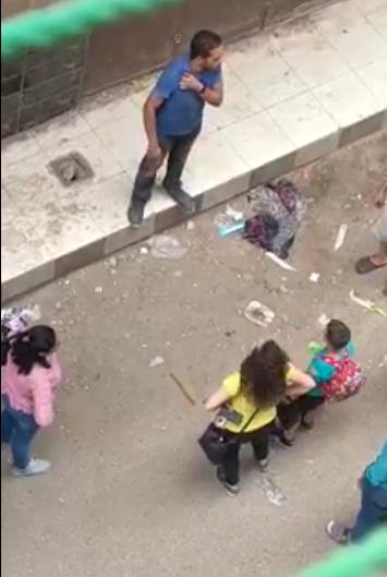 بالفيديو   فتاة مصرية تتعرض للتحرش وسط شارع شعبي بمصر.. صرخت عليه وصفعته بعنف
