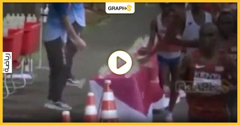 بالفيديو   عداء فرنسي يتصرف بشكل غير أخلاقي أثناء ماراثون أولمبياد طوكيو وأمام الجميع