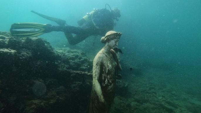 بالفيديو   غرائب وعجائب مدفونة تحت الماء.. ماذا تعرف عن مدينة بايا الغارقة وماتحتويه من قصور فاخرة وتماثيل رخامية