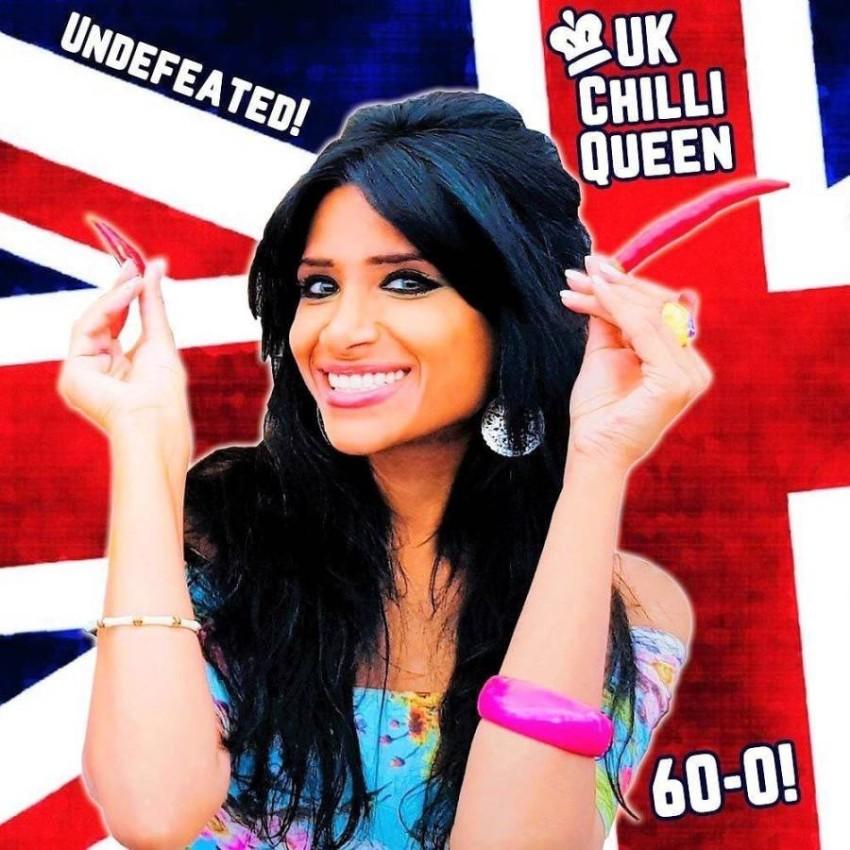 تعرف إلى البريطانية شاهينة بطلة العالم وقاهرة الرجال في تناول الفلفل الحار