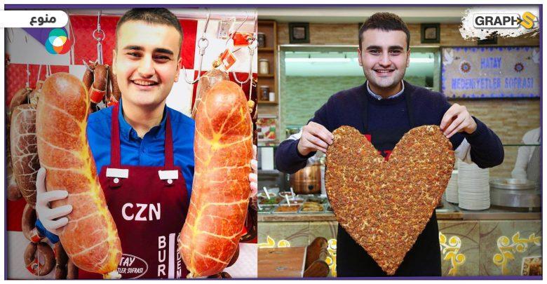 مدون ساخر شهير يفاجئ الشيف التركي بوراك بزيارته لمطعمه في دبي.. ويشاركه أحد استعراضاته - فيديو
