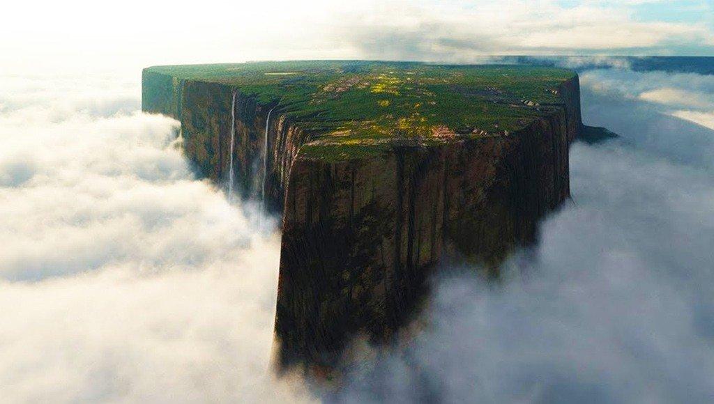 جبل رورايما أكثر الجبال إثارةً وغموضاً.. قمة لا يصدق من يراها وجودها على هذا الكوكب.. البعض مازال مؤمناً بوجود الديناصورات على سطحها