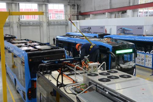 """وداعا للوقود الاحفوري.. الشركة الروسية """"كاماز"""" تعرض منتجا ثوريا في مجال النقل"""