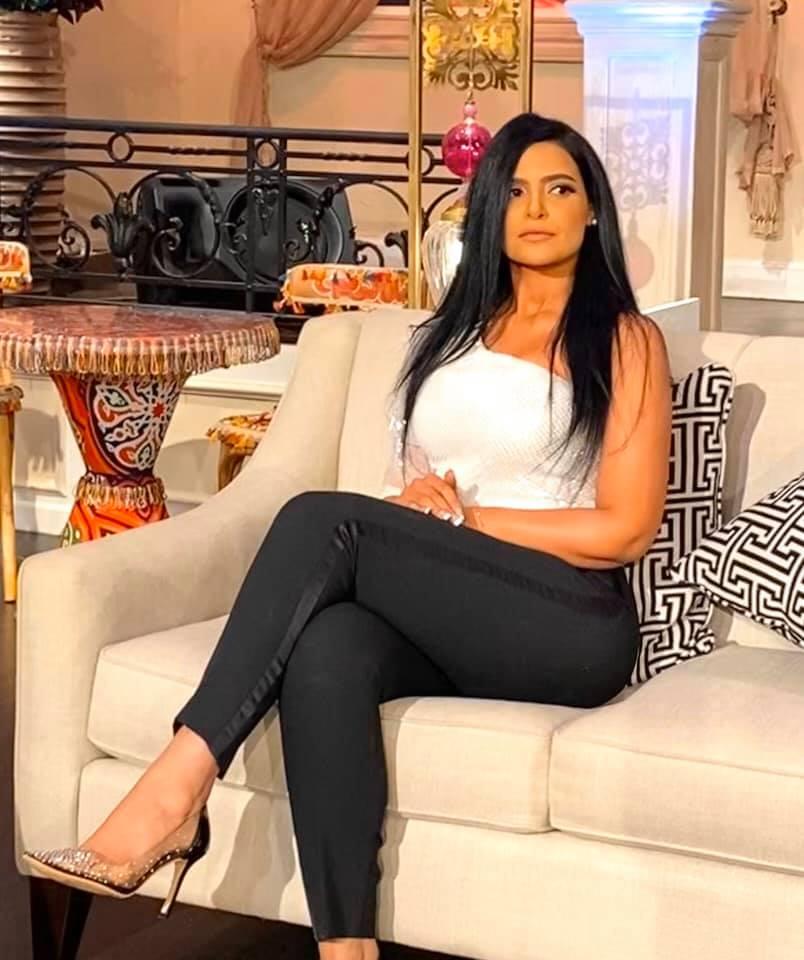 """فنانة مصرية شهيرة تفجر مفاجأة.. تعرضت لاعتداء """"لا أخلاقي"""" أثناء التصوير"""