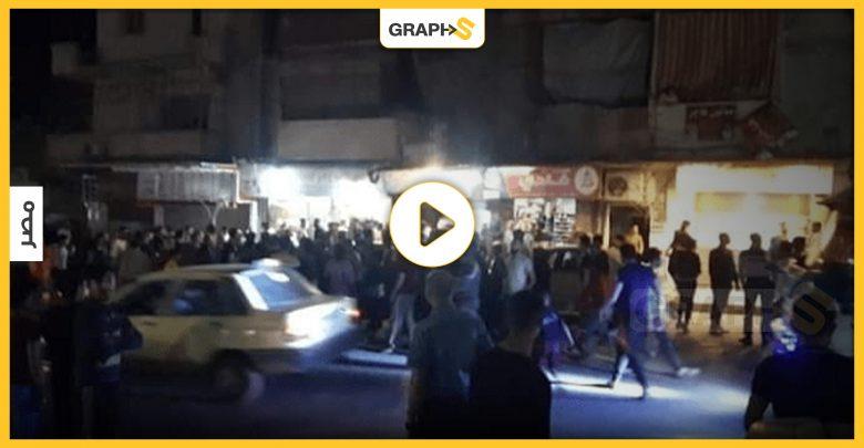 بالفيديو   في مصر.. اعتداء مجموعة كبيرة من الشبان على شخص وسط الشارع أمام أعين المارة