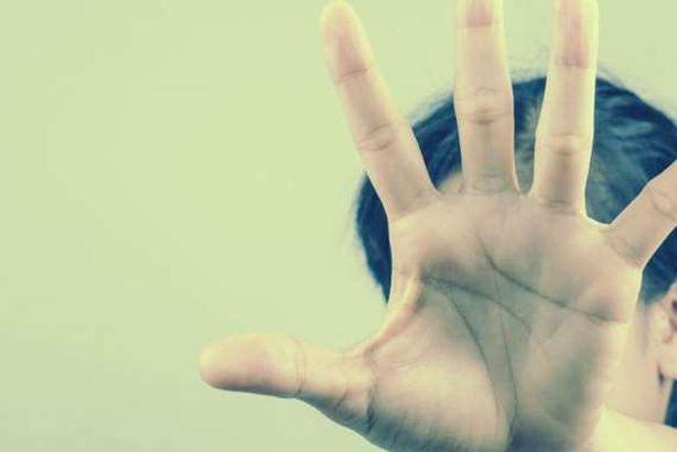 حوادث زيجات عربية: مصرية تطلب الطلاب بعد الزواج بأسبوع مؤكدة أنها ماتزال عذراء وزوج أرجع عروسه لبيت أهلها لأنه تم استبدالها بأختها وزوجة تلقى حتفها طعناً على يد زوجها بسبب أخلاقها