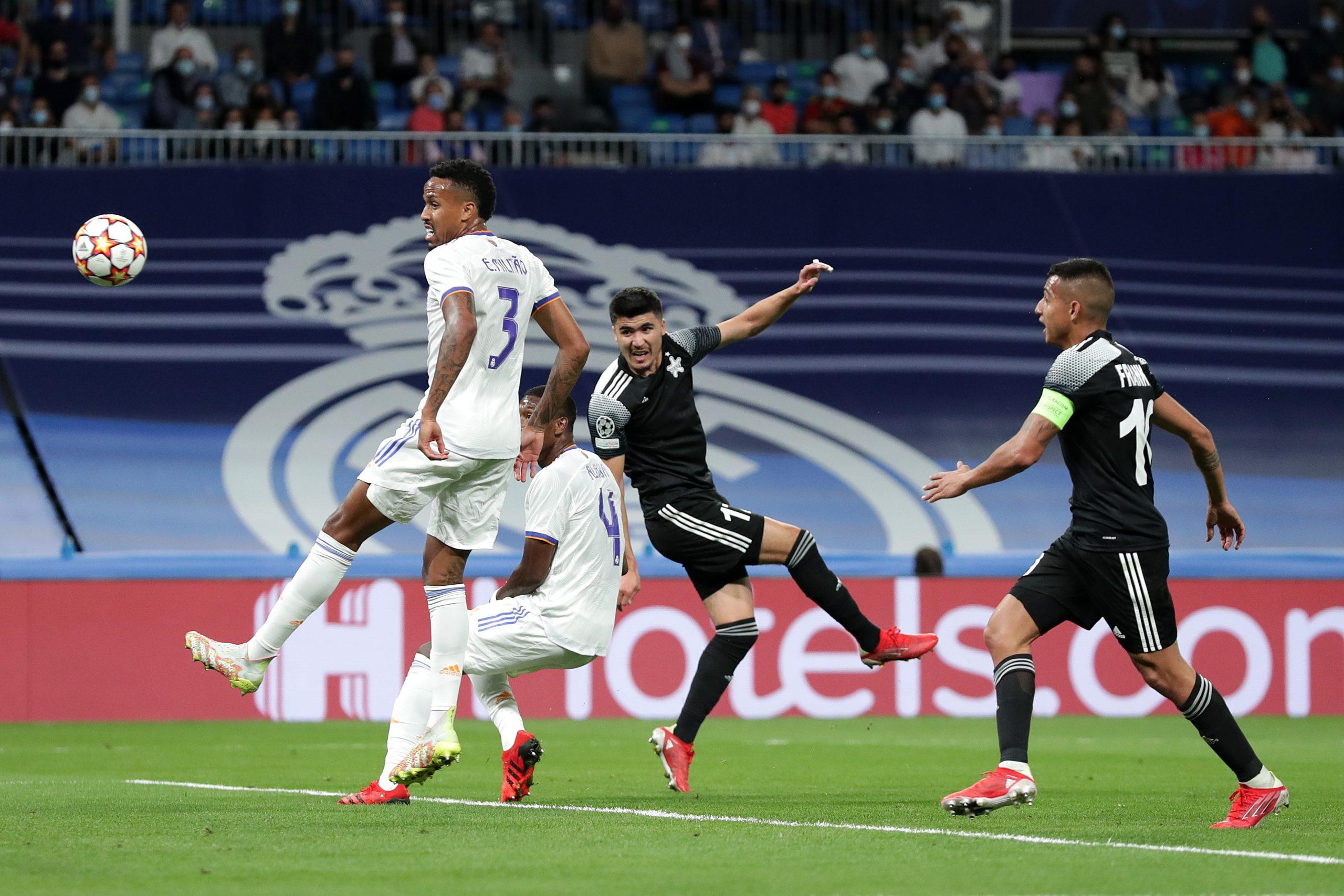 """بالفيديو   من تسديدةٍ خارقة ميسي يسجل أول أهدافه مع باريس في شباك مانشستر سيتي.. وسقوطٌ تاريخي لريال مدريد أمام """"فريق مغمور"""""""