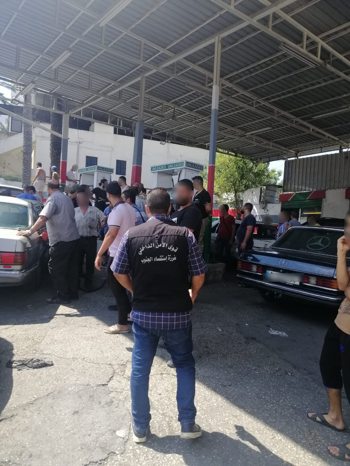 في لبنان.. السلطات تلقي القبض على سوري باع صغيره وتتخذ بحقه هذا الإجراء
