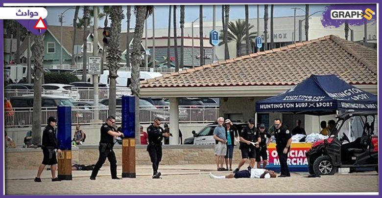 المصطافون على شاطئ أمريكي يوثقون اللحظات الأخيرة لمواطن من البشرة السمراء أطلقت عليه الشرطة وابلاً من الرصاص - فيديو وصور