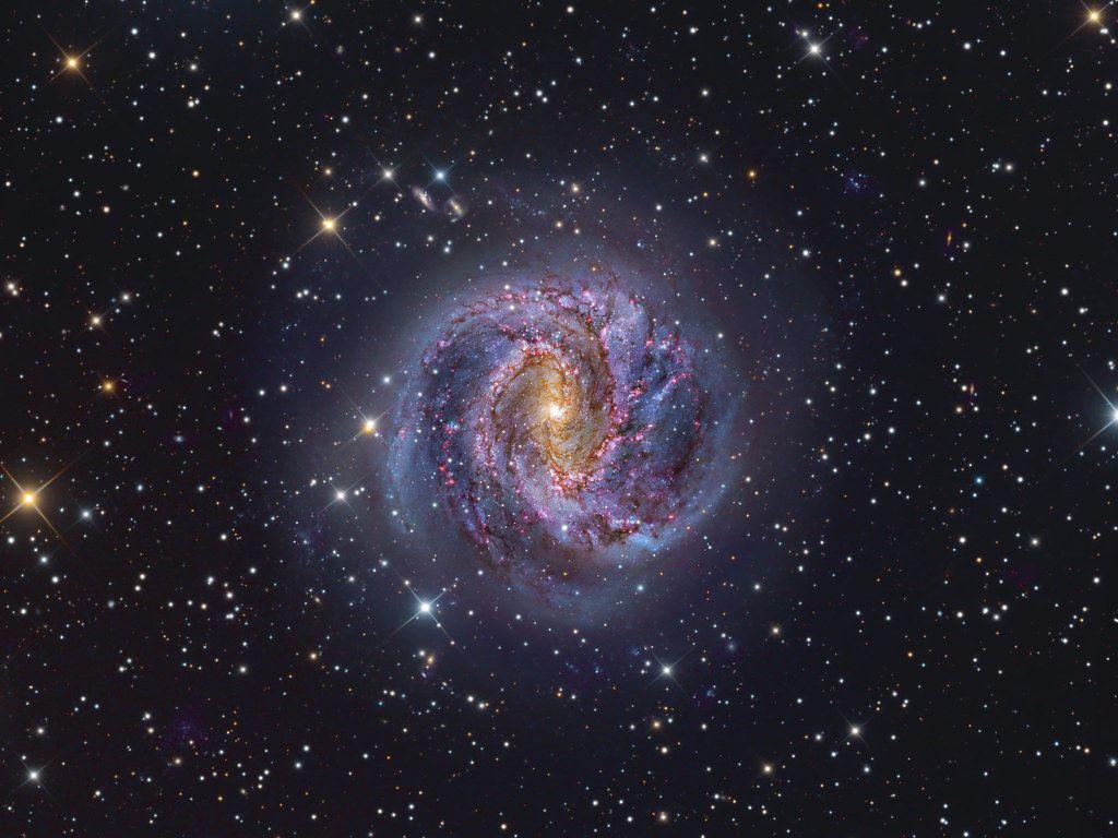هل هناك فعلاً من يحاول الاتصال بالأرض؟.. الكشف عن مصدر يبث إشارات راديو غير مفهومة من مركز المجرة