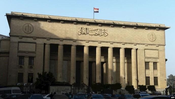 """تطورات قضية """"فتاة مارينا"""" في مصر..والكشف عن الحيلة التي استخدما القاضي وصديقيه بإيقاع الضحية والاعتداء الجماعي عليها"""