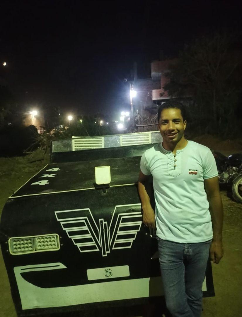 شاهد: ابتكار مصري فريد.. سيارة تعمل بضغط الهواء دون الحاجة لوقود