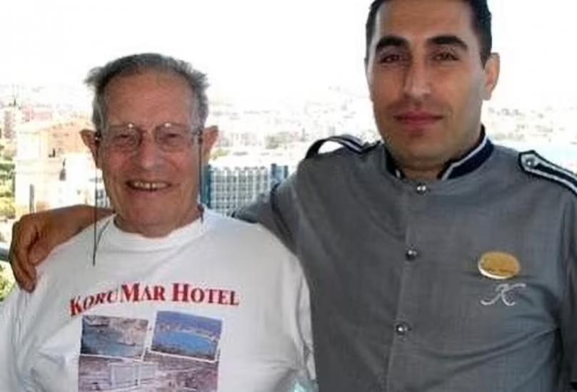 شاهد: ثري بريطاني يورث أحد عمال فندق تركي مبلغاً ضخماً من المال