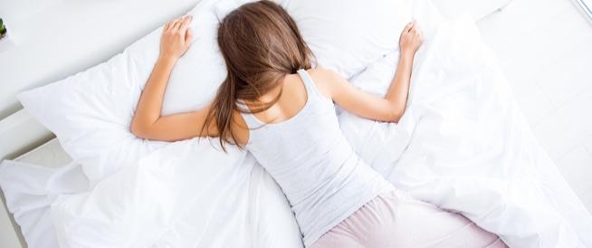 تعرف إلى طريقة النوم المثالية للوقاية من النوبة القلبية ومدى تأثير عادات الاستيقاظ على الصحة