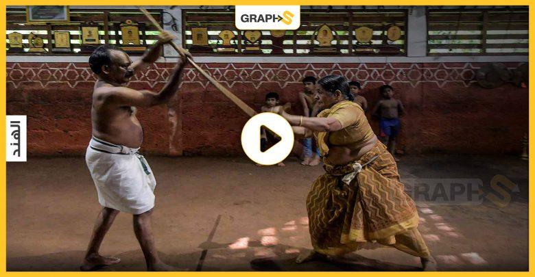 في اليوم العالمي للمسنين .. شاهد جدة هندية تمارس رياضة المبارزة بشكل احترافي ومذهل