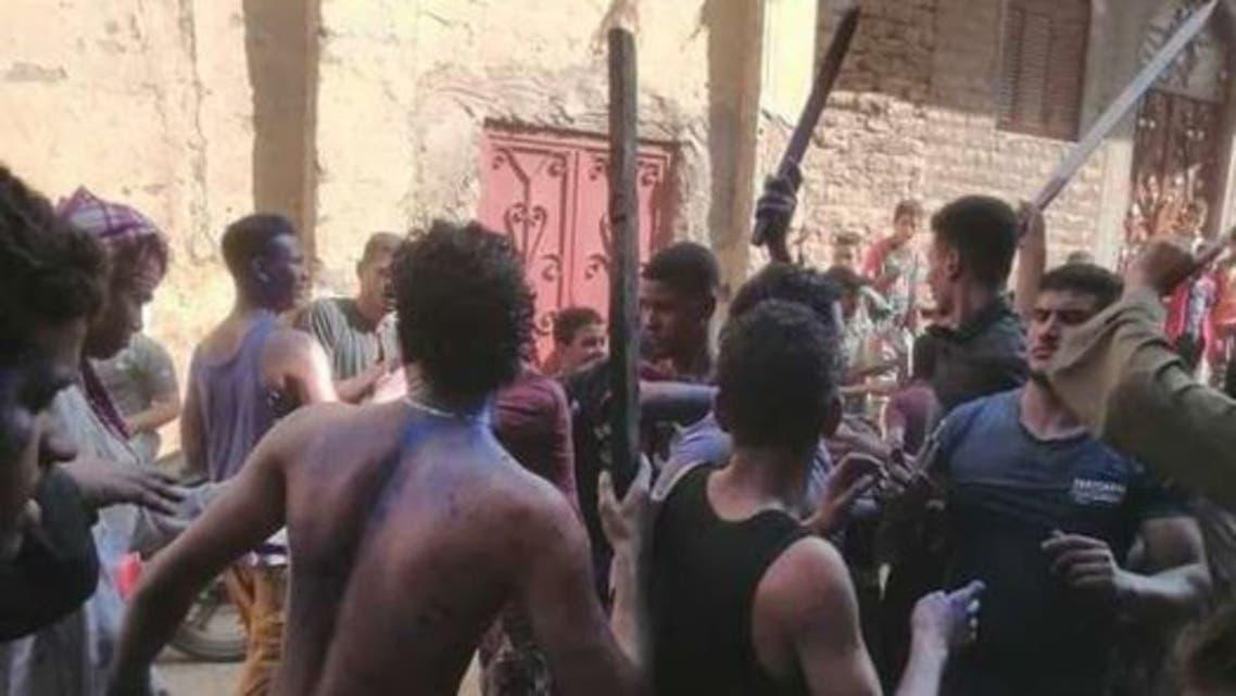 مصر: ضبط شباب رقصوا شبه عراة.. مارسوا طقوساً ممنوعة واحتفلوا بالنيران في أحد الأعراس