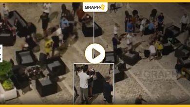 بالفيديو|| اندلاع شجار عنيف داخل فندق تركي بين سائح روسي وآخر بريطاني بسبب فتاة