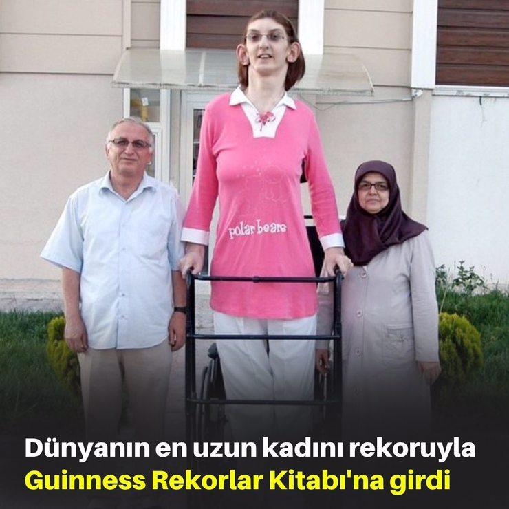 تعرف إلى السيدة رومسيا التي دخلت موسوعة غينيس للأرقام القياسية كأطول امرأة في العالم - فيديو